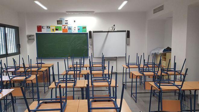 Llegan los cierres de Aulas en cascada. Todas las Comunidades Autónomas envían a los alumnos a casa